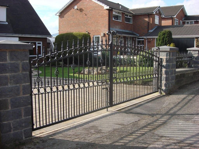 Metal Driveway Gates From 190 Buy Direct From The Factory