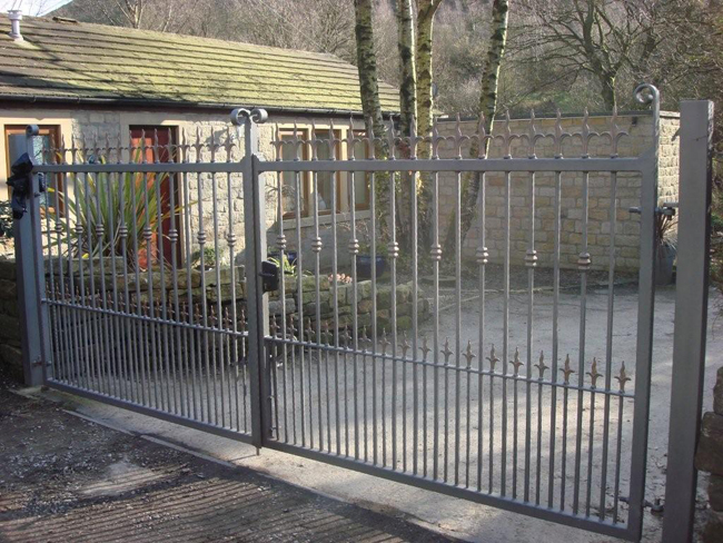Metal driveway gates from £ buy direct the factory